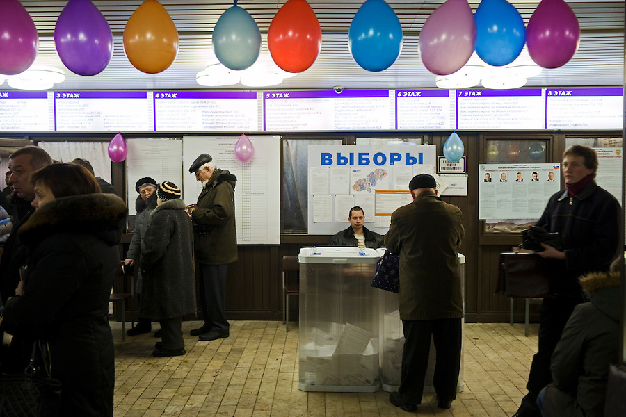 Moscow, Russia, 04/03/2012..Electors cast their ballots at a polling station in a medical clinic as Russians vote in the Presidential election, which Prime Minister Vladimir Putin is expected to win in the first round.