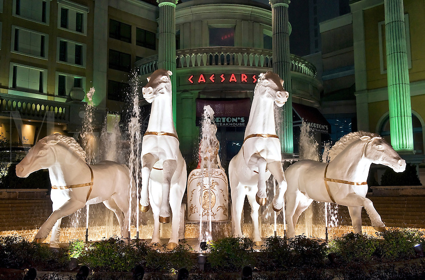 Exterior fountain at Ceasars, Trump Plaza Casino, Atlantic City, NJ, New Jersey, USA