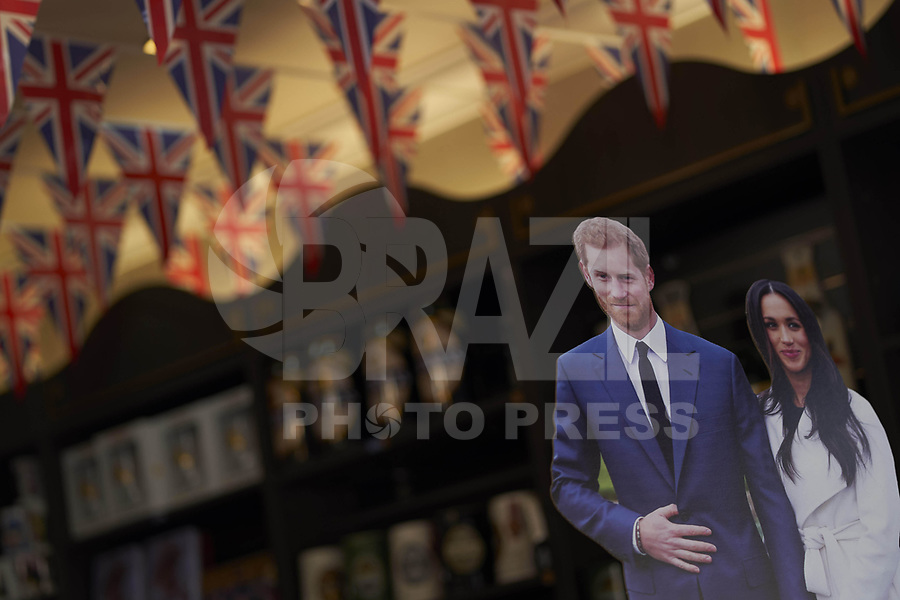 WINDSOR, REINO UNIDO, 18.05.2018 - CASAMENTO-REAL - Souvenir do casamento real entre Principe Harry e Meghan Markle' é visto nas ruas da cidade de Windsor no Reino Unido na semana do casamento. (Foto: PPE/Brazil Photo Press)