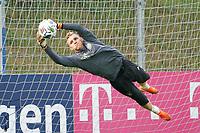 Torwart Bernd Leno (Deutschland Germany) - 31.08.2020: Erstes Training der Deutschen Nationalmannschaft vor dem Nations League gegen Spanien, ADM Sportpark Stuttgart