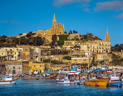 """Malta, Insel Gozo: Hafenstadt Mgarr mit der neugotischen Kirche """"Our Lady of Lourdes""""   Malta, Island Gozo: Mgarr with neo-Gothic church """"Our Lady of Lourdes"""""""