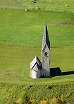 Austria, East-Tyrol, High Tauern Nationalpark, Kals am Grossglockner: daughter church of Saint George | Oesterreich, Osttirol, Kals am Grossglockner: die Filialkirche St. Georg