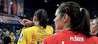 """1. Bundesliga Handball Damen - Frauen Handball BL DHB - Arena Leipzig - HC Leipzig : TSV Bayer 04 Leverkusen """"Handballelfen"""" - im Bild: Abgang - Luisa Schulze, Julia Plöger - Feature Niederlage Wechsel Transfer . Foto: Norman Rembarz..Norman Rembarz , Autorennummer 41043728 , Augustenstrt. 2, 04317 Leipzig, Tel.: 01794887569, Hypovereinsbank: BLZ: 86020086, KN: 357889472, St.Nr.: 231/261/06432 - Jegliche kommerzielle Nutzung ist honorar- und mehrwertsteuerpflichtig! Persönlichkeitsrechte sind zu wahren. Es wird keine Haftung übernommen bei Verletzung von Rechten Dritter. Autoren-Nennung gem. §13 UrhGes. wird verlangt. Weitergabe an Dritte nur nach  vorheriger Absprache.."""