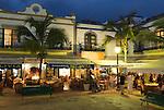 Spain, Gran Canaria, Puerto de Mogan: Restaurants in evening | Spanien, Gran Canaria, Puerto de Mogan: Restaurants am Abend