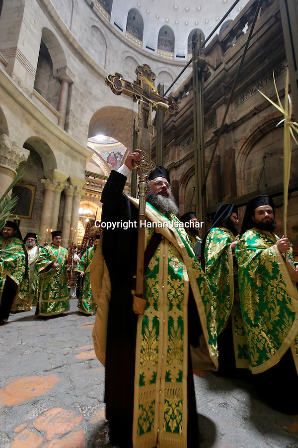 Israel, Jerusalem Old City, the Greek Orthodox Palm Sunday procession around the Rotunda at the Church of the Holy Sepulchre, 2005<br />