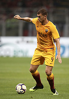 Calcio, Serie A: AC Milan - AS Roma, Milano stadio Giuseppe Meazza (San Siro) 31 agosto 2018. <br /> AS Roma's Edin Dzeko in action during the Italian Serie A football match between Milan and Roma at Giuseppe Meazza stadium, August 31, 2018. <br /> UPDATE IMAGES PRESS/Isabella Bonotto