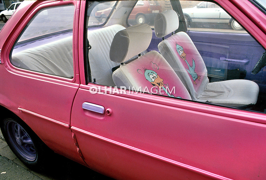 Interior de automóvel. Foto de Juca Martins.