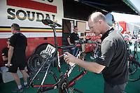 Lotto-Soudal mechanic Geert Rombauts putting a last shine on Tim Wellens' bike before the stage<br /> <br /> stage 15 (iTT): Castelrotto-Alpe di Siusi 10.8km<br /> 99th Giro d'Italia 2016