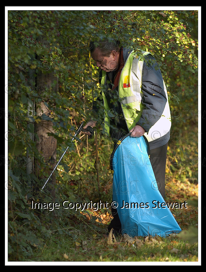 22/10/2007       Copyright Pic: James Stewart.File Name : 14_Larbert_Litter.MEMBERS OF THE PUBLIC GET TOGETHER ON THE STREETS AROUND LARBERT TO COLLECT LITTER.James Stewart Photo Agency 19 Carronlea Drive, Falkirk. FK2 8DN      Vat Reg No. 607 6932 25.Office     : +44 (0)1324 570906     .Mobile   : +44 (0)7721 416997.Fax         : +44 (0)1324 570906.E-mail  :  jim@jspa.co.uk.If you require further information then contact Jim Stewart on any of the numbers above........