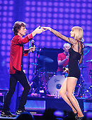 Taylor Swift with The Rolling Stones,  live, 2013 ,Ken Settle/atlasicons.com