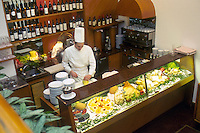 - Peck restaurant, self-service desk....- ristorante Peck, banco self-service