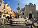 Italy, Sicily, Taormina: Piazza del Duomo and cathedral San Nicolo