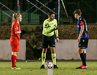 Captain Jana Simons (8) of Woluwe, match referee Fabio Fernandes Barros and captain Isabelle Iliano (18) of Club Brugge pictured at the coin toss before a female soccer game between FC Femina White Star Woluwe and Club Brugge YLA on the eleventh matchday of the 2020 - 2021 season of Belgian Scooore Womens Super League , Friday 22 January 2021  in Woluwe , Belgium . PHOTO SPORTPIX.BE   SPP   SEVIL OKTEM