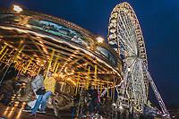 Europe/France/Ile-de-France/75001/Paris:  Manège  forain  et  Grande roue, Place de la Concorde  // Europe / France / Ile-de-France / 75001 / Paris: Fairground and Ferris wheel, Place de la Concorde