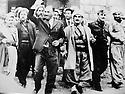 Iraq 1970.Nawperdan: General Barzani with Iraqi officials on 11th of march agreement.Irak 1970.Le general Barzani avec des officiels irakiens a Nawperdan lors des accord du 11 mars