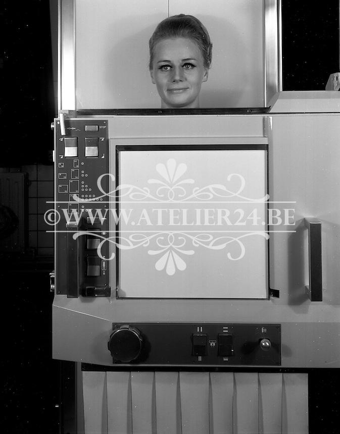 November 1965. Radiologie De Man.