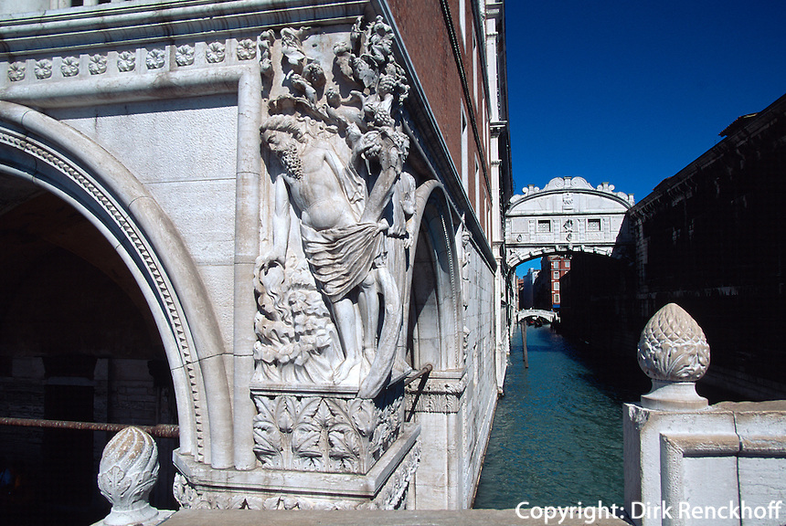 Seufzerbrücke, betrunkener Noah an Dogenpalast, Venedig, Italien, Unesco-Weltkulturerbe