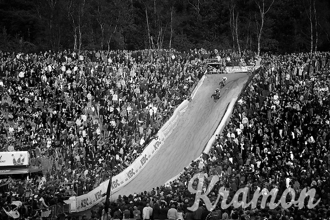 "massive crowd cheering in ""The Pit""<br /> <br /> GP Zonhoven 2014"