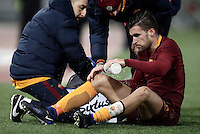 Calcio, Serie A: Roma vs Cagliari, Roma, stadio Olimpico, 22 gennaio 2017.<br /> Roma's Kevin Strootman pours water on his knee after being injured during the Italian Serie A football match between ... at Rome's Olympic stadium, 22 January 2017.<br /> UPDATE IMAGES PRESS/Isabella Bonotto