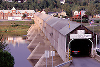 covered bridge, New Brunswick, Hartland, NB, Canada, World's Longest Covered Bridge (1282 ft.) crosses over St. John's River in the town of Hartland.