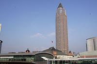 Frankfurter Messeturm und Festhalle