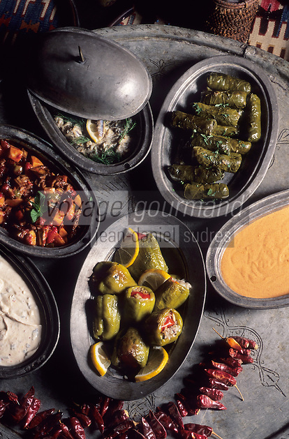 """Europe/Turquie : Divers hors-d'oeuvres dits """"Mezes"""""""