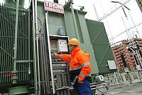 - AEM (Energetic Company of Milan), electric receiver power station of Milan South, transformer....- AEM (Azienda Energetica Milanese), centrale elettrica ricevitrice di  Milano Sud, trasformatore..