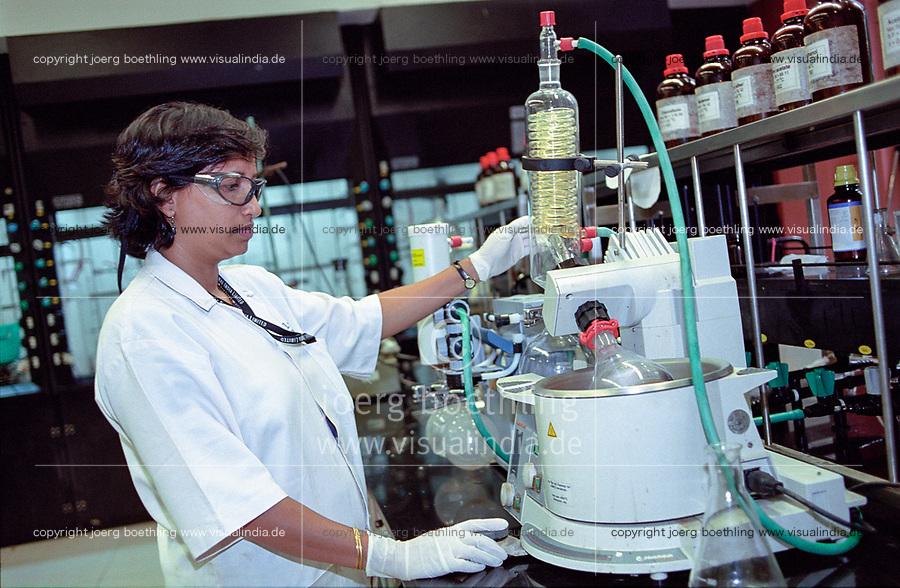INDIA, Mumbai, Piramal pharma solutions, research and development, lifescience center / INDIEN, Bombay, Forschungslabor der Pharmafirma Piramal, Entwicklung und Herstellung von Medikamenten und Impfstoffen