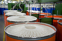 "Südasien Asien Indien IND Madhya Pradesh , Verarbeitung von fairtrade Baumwolle bei Maral Overseas Ltd. -  Textilwirtschaft Textilindustrie Baumwolle xagndaz | .South Asia India Madhya Pradesh  Maral Overseas Ltd. textile factory process fairtrade cotton , spinning unit produce yarn from raw cotton.  -   textile industry .| [ copyright (c) Joerg Boethling / agenda , Veroeffentlichung nur gegen Honorar und Belegexemplar an / publication only with royalties and copy to:  agenda PG   Rothestr. 66   Germany D-22765 Hamburg   ph. ++49 40 391 907 14   e-mail: boethling@agenda-fototext.de   www.agenda-fototext.de   Bank: Hamburger Sparkasse  BLZ 200 505 50  Kto. 1281 120 178   IBAN: DE96 2005 0550 1281 1201 78   BIC: ""HASPDEHH"" ,  WEITERE MOTIVE ZU DIESEM THEMA SIND VORHANDEN!! MORE PICTURES ON THIS SUBJECT AVAILABLE!! INDIA PHOTO ARCHIVE: http://www.visualindia.net ] [#0,26,121#]"