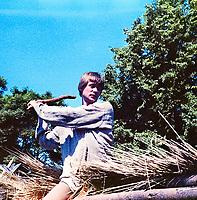 "Filmstill ""Obezdolennye"" (1985), USSR; Director: Peeter Simm; Stars: Üllar Põld, Maria Avdyushko, Kalё Kiisk; / Кадр из фильма ""Обездоленные"" (1985), СССР; Режиссер: Пеэтер Симм; В ролях: Юллар Пыльд, Мария Авдюшко, Кальё Кийск."