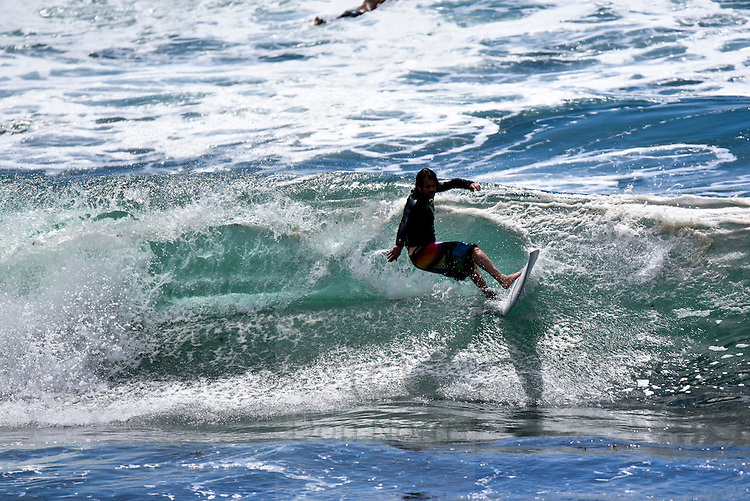 Dee Why beach and point surfing