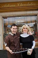 Europe/France/Aquitaine/64/Pyrénées-Atlantiques/Pau: Chocolaterie de la Couronne- Laurent Chagneau et son épouse [Non destiné à un usage publicitaire - Not intended for an advertising use]