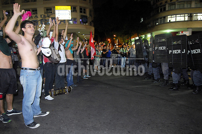 Protest against the price rising of bus ticket in Rio de Janeiro, Brazil, June 13, 2013. (Austral Foto/Carlos Jr)