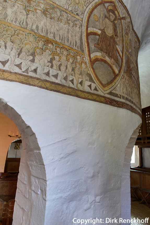Fresken aus dem 13.Jh.. in der romanischen Rundkirche  Østerlars Kirke auf der Insel Bornholm, Dänemark, Europa<br /> Frescoes 13c. in Romanesque round church Østerlars Kirke, Isle of Bornholm Denmark