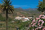 Spain, Gran Canaria, Fataga: View over village in mountains | Spanien, Gran Canaria, Fataga: Dorf im Landesinnern