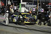 #77 LA Honda World Racing Honda Civic TCR, TCR: Taylor Hagler, Ryan Eversley Pit Stop