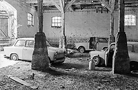 DEUTSCHLAND, Goerzhausen bei Teterow, abgestellte DDR Autos Trabant in Scheune / former German Democratic Republic, Germany, Goerzhausen, abandoned east german car Trabant in hay barn