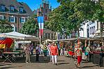 Deutschland, Nordrhein-Westfalen, Xanten: Marktplatz, im Hintergrund das Gotische Haus | Germany, Northrhine-Westphalia, Xanten: market square with 'The Gotic House' in background