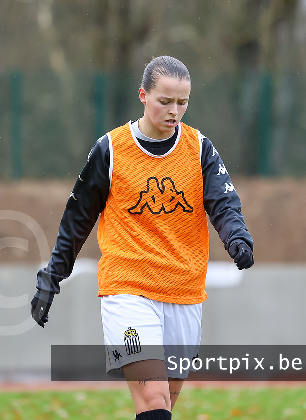 Alysson Duterne (14 Charleroi) pictured during the warm up before a female soccer game between FC Femina White Star Woluwe and Sporting Charleroi on the 10 th matchday of the 2020 - 2021 season of Belgian Scooore Womens Super League , Saturday 19 th of December 2020  in Woluwe , Belgium . PHOTO SPORTPIX.BE | SPP | SEVIL OKTEM