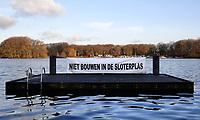 Nederland  Amsterdam   08- 01- 2021.  Er zijn plannen om te bouwen in de Sloterplas. De buurt protesteert.     Foto : ANP/ HH / Berlinda van Dam