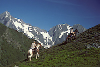 Europe/France/Midi-Pyrénées/09/Ariège/Couserans/Mont-Valier: Randonneurs depuis le col de Pause