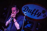 """Jim Zeller """"jam"""" au bar Duffy's de Dorval <br /> <br /> <br /> PHOTO :   Agence Quebec Presse"""