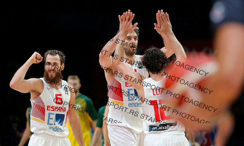 Spain's national basketball team players and gold medalists Sergio Rodriguez, Pau Gasol and Sergio Llull celebrate during European championship basketball final match between Spain and Lithuania on September 20, 2015 in Lille, France  (credit image & photo: Pedja Milosavljevic / STARSPORT)