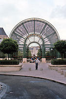 Paris: Les Halles--new Port Pont Neuf. Entrance at Pl. M. Quentin, end of Rue Du Pont Neuf. (Seemingly copied from Gare de L'Est.) Photo '87.