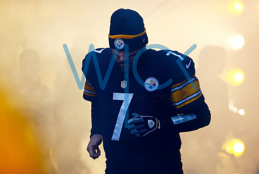 Ben Roethlisberger #7 of the Pittsburgh Steelers enters the field against the Denver Broncos during the game at Heinz Field on December 20, 2015 in Pittsburgh, Pennsylvania. (Photo by Jared Wickerham/DKPittsburghSports)