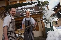 Europe/France/Rhone-Alpes/74/Haute-Savoie/Megève:  restaurant: Flocons Village le Bistrot de Manu Renault- le chef John Thorpe et son second Bernard Lottin