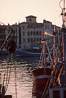 Europe/France/Aquitaine/64/Pyrénées-Atlantiques/Saint-Jean-de-Luz: Le port de pêche et la maison de l'Infante