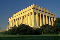 AJ4227, Lincoln Memorial, Washington, DC, District of Columbia, monument, capital city, The Lincoln Memorial in the nation's capital Washington, D.C.