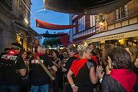 France, Pyrénées-Atlantiques (64), Pays-Basque, Saint-Jean-de-Luz, lors des Fêtes de la Saint-Jean,  rue de la République // France, Pyrenees Atlantiques, Basque Country, Saint Jean de Luz, during St John's Eve,