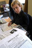 "- ""Stranieri in Italia"", publishing house of Rome that publishes an Internet portal of services for immigrates and twelve ethnic headlines, for a total of 150 thousand copies to the month; Uana Turascu, vice head editor of NOUA GAZETA ROMANEASCA, fortnightly magazine in Rumanian language....- Stranieri in Italia, casa editrice di Roma che pubblica un portale Internet di servizi per immigrati e dodici testate etniche per un totale di 150mila copie al mese; Uana Turascu, vicecaporedattore di  NOUA GAZETA ROMANEASCA, quindicinale in lingua rumena"
